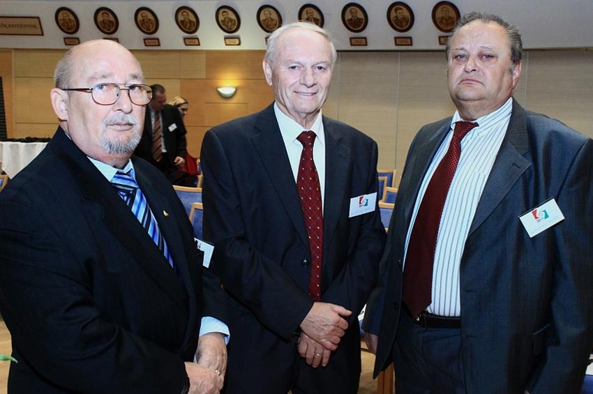 az OKDE delegációja
